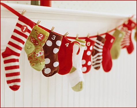 handmadestockings_garland.jpg